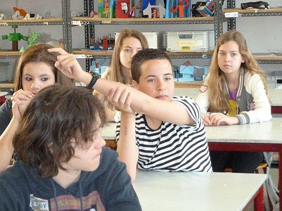 De brugklasleerlingen deden actief mee aan de lessen in het kader van SchoonPlein. (c) WML Facilitair.