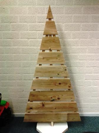Dit is een voorbeeld van een kerstboom zoals onze schuttingmakers 'm maken.
