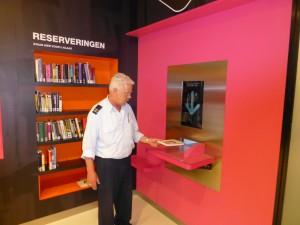 Jan scant een ingeleverd boek